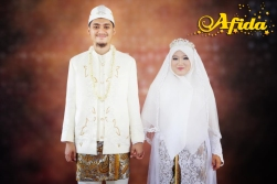 Rias Busana Akad Nikah Pengantin Muslim